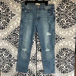 NWT Gap High Rise Slim Straight Jeans